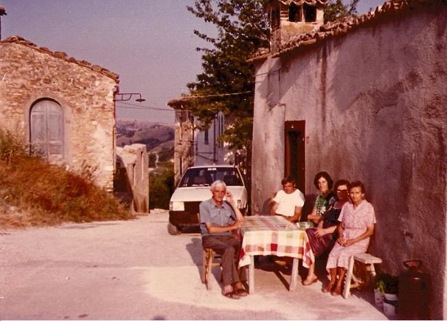 1985 - Ingresso del paese
