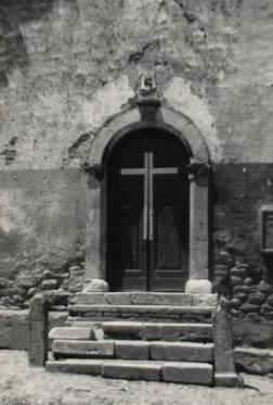 Chiesa esterno vecchio portale